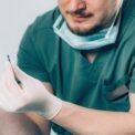 dentist-patient-implant-demonstrate